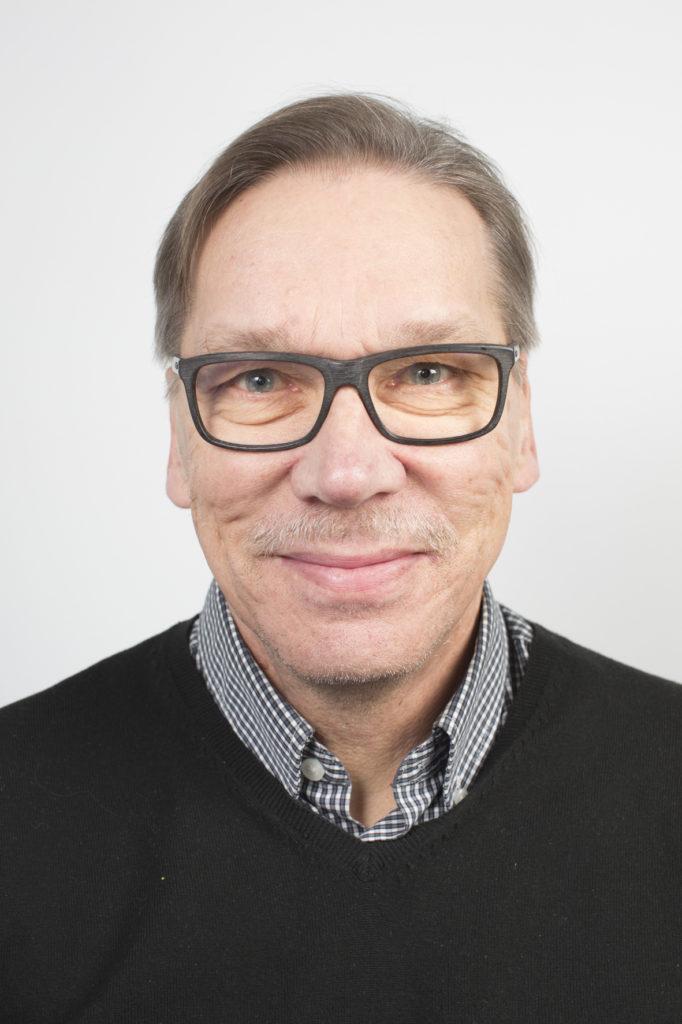 Valtuuston 2. varapuheenjohtaja Raimo Keskikallio