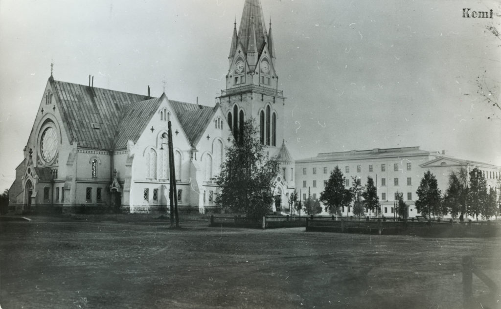 Kemi's church and the lyceum.