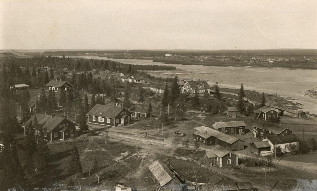 Kemi-bolagets första husen till arbetare. Pajusaari 1917.