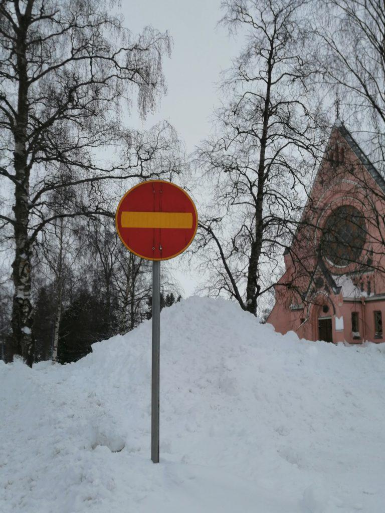Kielletty ajosuunta-liikennemerkki