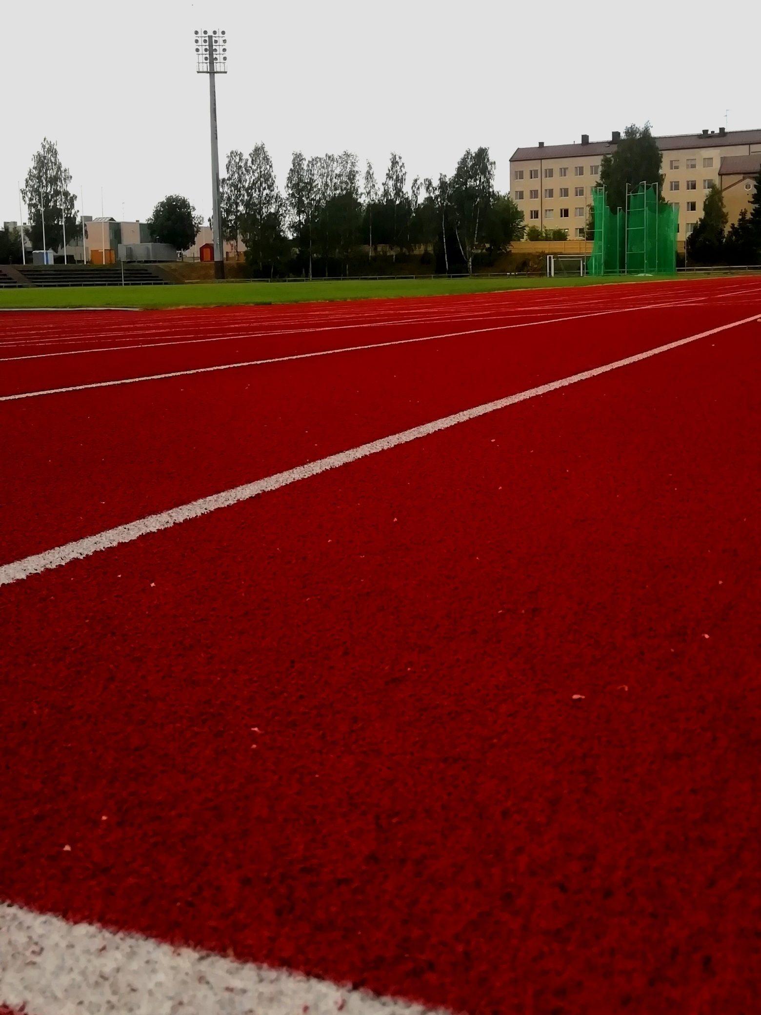 Urheilukentän juoksuradat